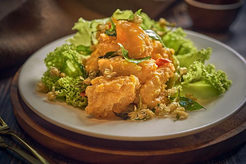 Stir Fried Prawn with Salted Egg and Jasmine Petals 茉莉花咸蛋黄虾球