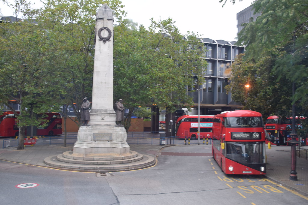 DSC_6382 London Bus Route #205 Euston Square Railway Station War Memorial