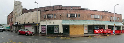 Art Deco, Wrexham, Atik