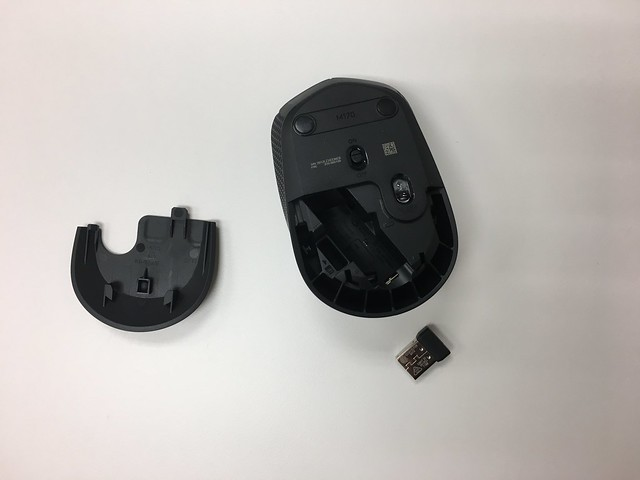 滑鼠肚子可以收接收器@羅技logitech MK235無線鍵鼠組+HP GK200