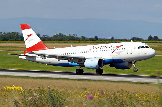 OE-LDE   Airbus A319-112 [2494] (Austrian Airlines) Vienna-Schwechat~OE 13/07/2009