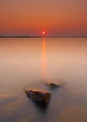 longexposure sunset nature water lakemendota madison wisconsin sun sky horizon midwest canoneos5dmarkiv canonef1635mmf4lis tenneypark