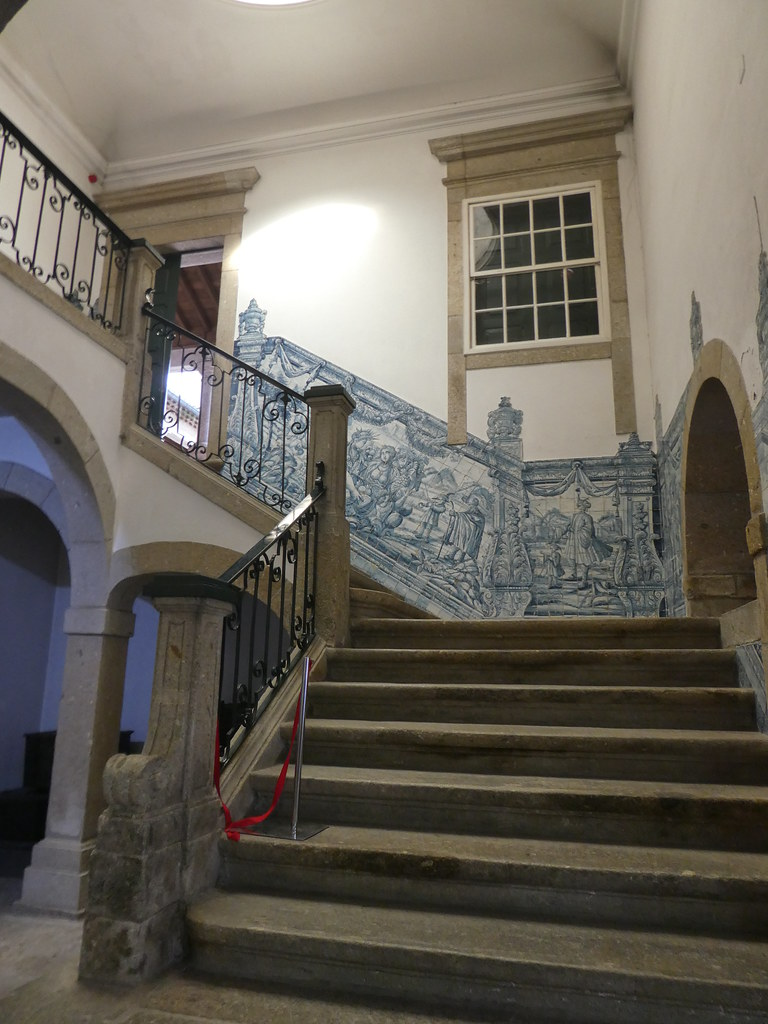 Grand staircase, Biscainhos Museum