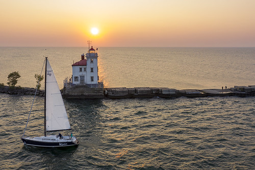 fairport harbor painsville ohio ohiofoothills sunset lakeerie greatlakes sailboats lighthouse drone