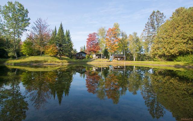 Réflexion en automne, Beauce, PQ, Canada - 9379