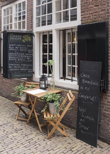 De  Zakken Drager, Zakkendragersteeg, Utrecht