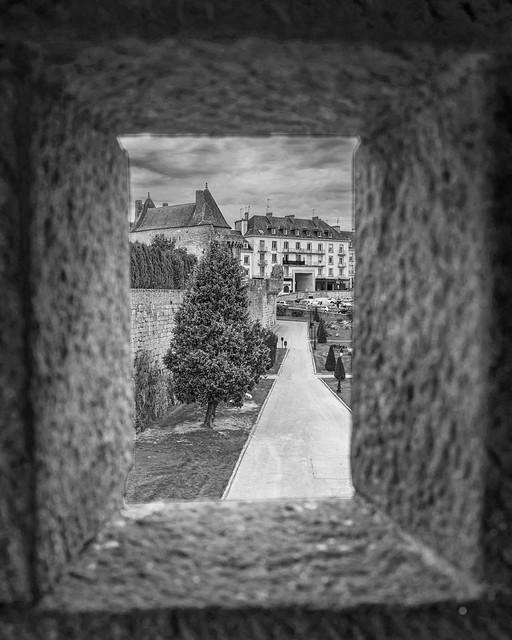 Fenêtre sur château