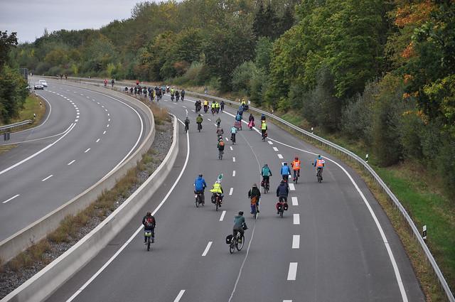 """Fahraddemo """"Auf der A49 gegen die A49"""" am 26.09.2020"""