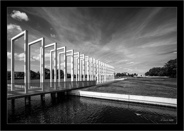 Leica M Monochrom 246, WATE Tri-Elmar, red filter