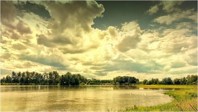 Wolken übern Teich