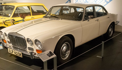 Daimler Sovereign XJ6