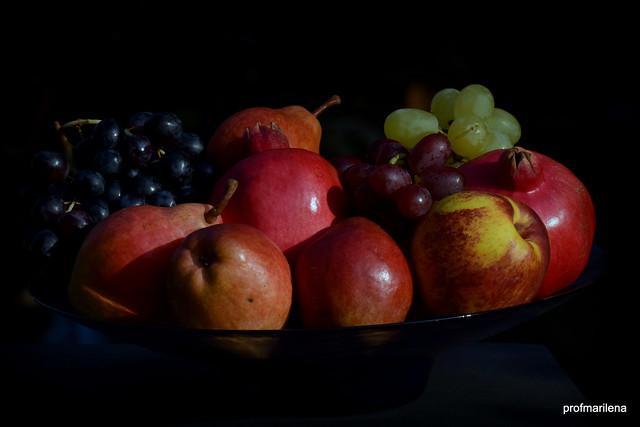 DSC_3195 autumnal fruit, still life