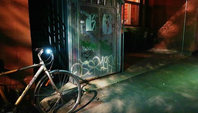 Mon vélo frétille à l'idée d'une petite balade nocturne