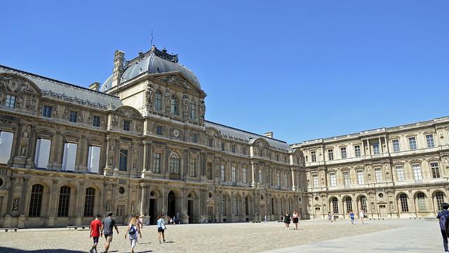 2020.08.06.033 PARIS - Palais du Louvre - la Cour Carrée Ailes Lescot, Lemercier et Nord, pavillon de l'Horloge  (EXPLORE du 27/09/2020)