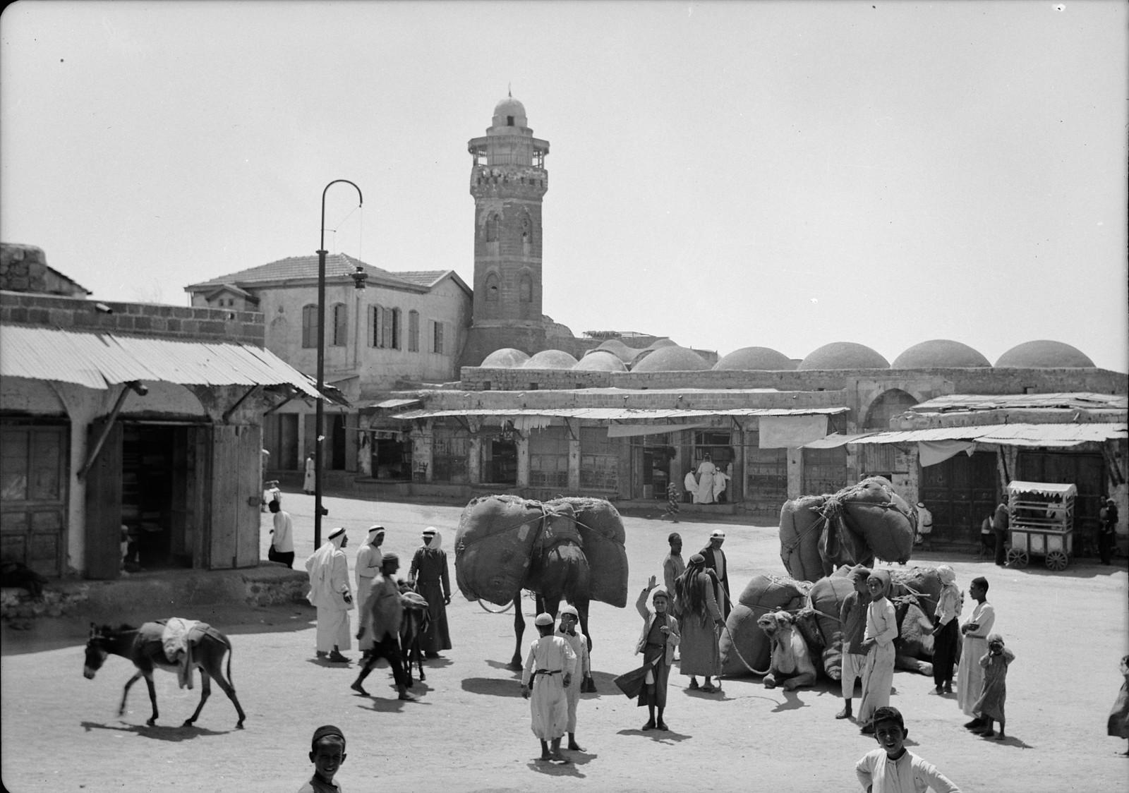 04. Рынок Аль-Мадждаля с городской мечетью