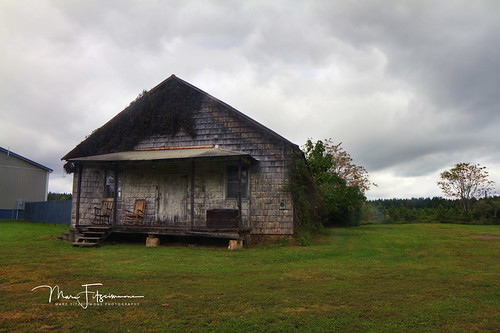 abandoned buildings church store mineral virginia