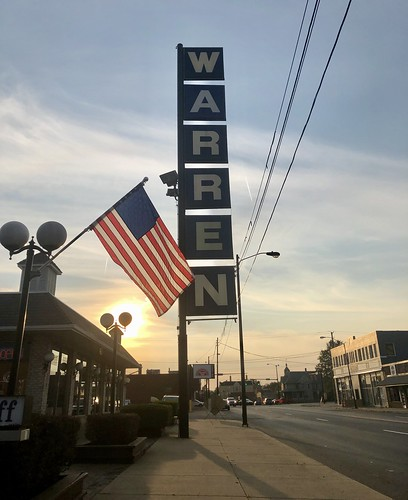 warren ohio sign flag american sunset