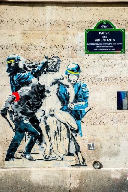 Sculptures du Louvre interpellées par les forces de l'ordre