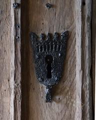 keyhole escutcheon (14th Century)