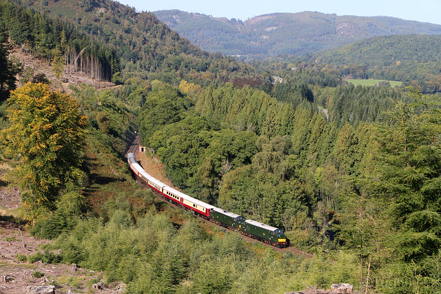 37667 & 37521 on 5Z44 Inverness to Perth