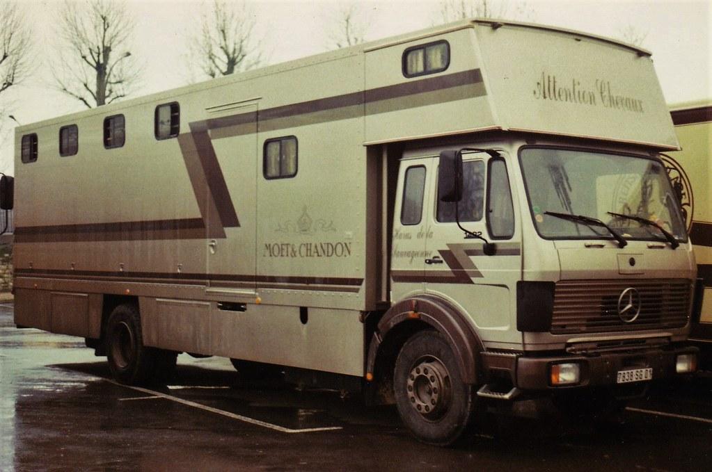 Mercedes NG 1422 Pte de la Chapelle Paris 1989a