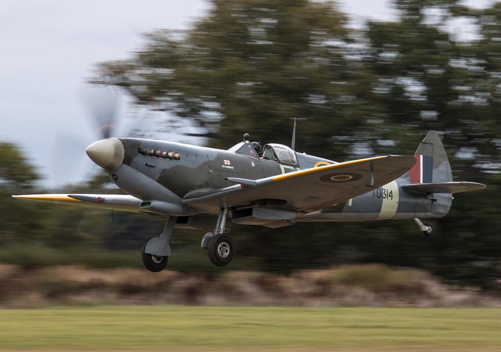 Supermarine Spitfire LF IX -  G-CGYJ / TD314