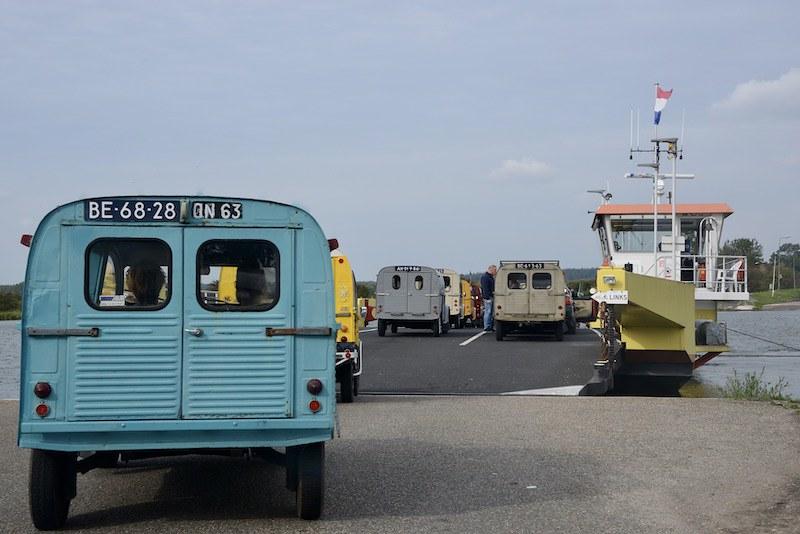21eme Rencontre int. 2cv camionettes Pays Bas 50389443848_f89e66a3ed_c