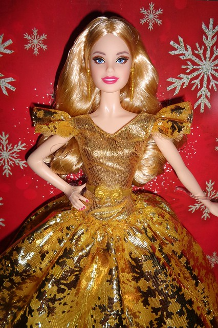 2020 Holiday Barbie (3)