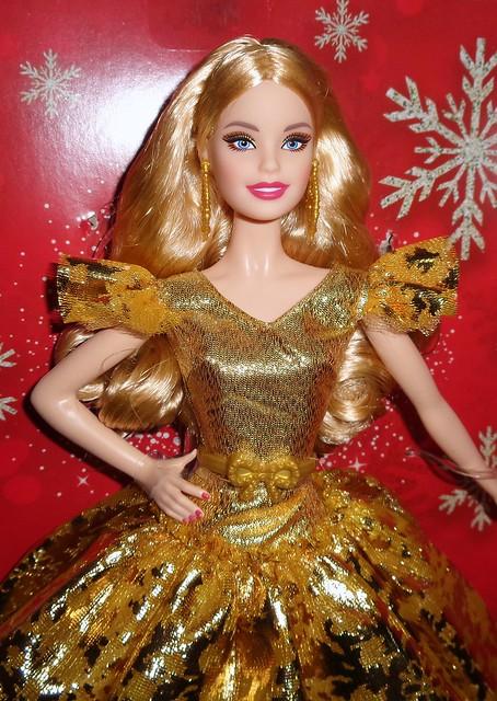 2020 Holiday Barbie (4)