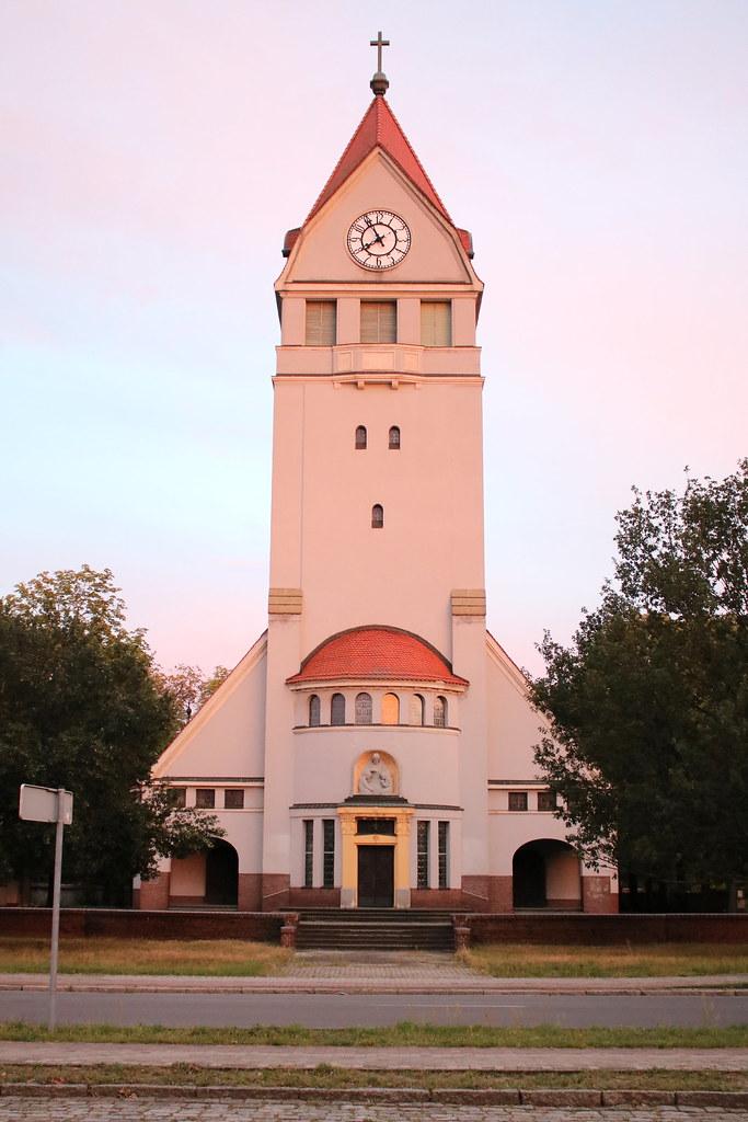 Senftenberg: Martin-Luther-Kirche in der Gartenstadt Marga