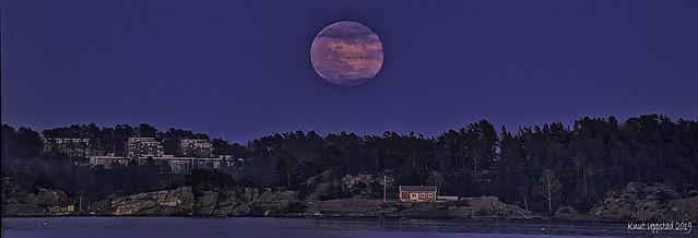 Full moon over Randesund, Norway.