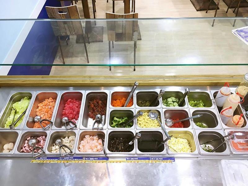 YU-POKÉ豐富多元的食材配料。圖/YU-POKÉ提供