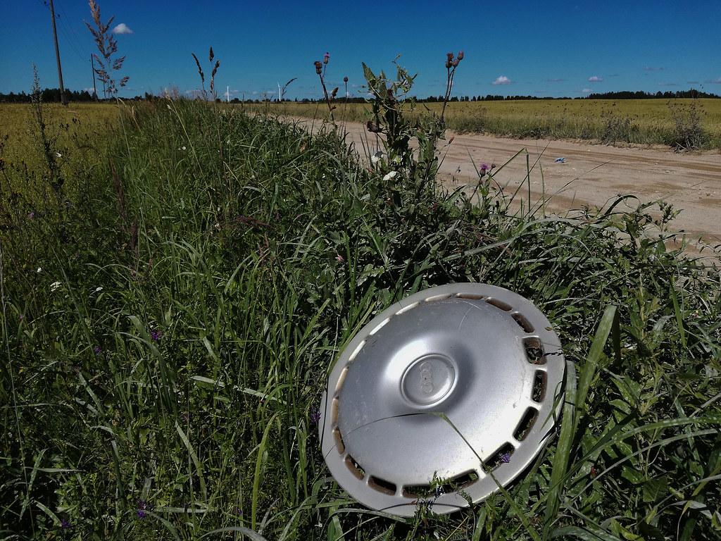 Audi hubcap