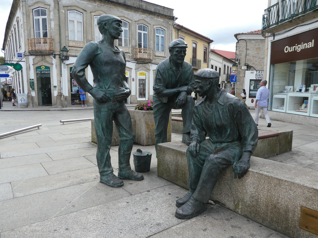 Statue in the centre of Vila do Conde