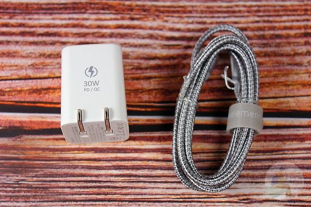 旅遊必備充電器