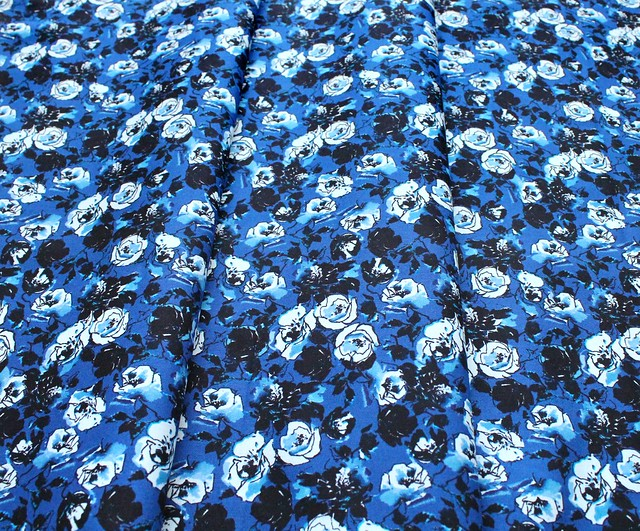 RJR Fabrics Ink Rose RJ1803-MI2 Rose Bundle Midnight