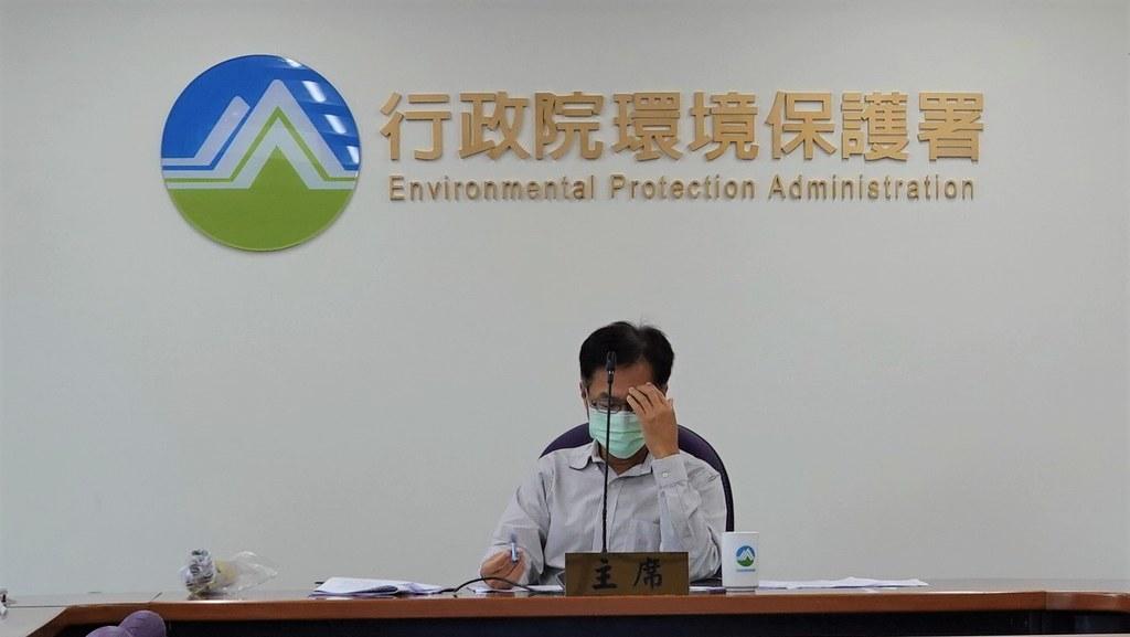 空保處處長蔡孟裕被再場環保團體代表輪番批評。孫文臨攝