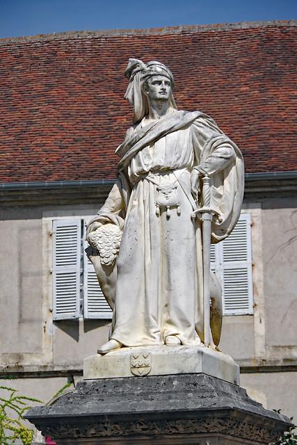 Bourges (Cher) : statue de Jacques Coeur