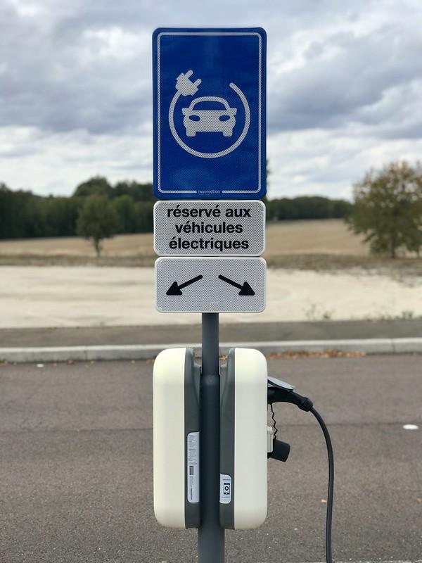 Une borne de recharge de véhicule électrique