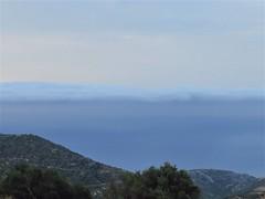 Strange cloudbank hiding the horizon.