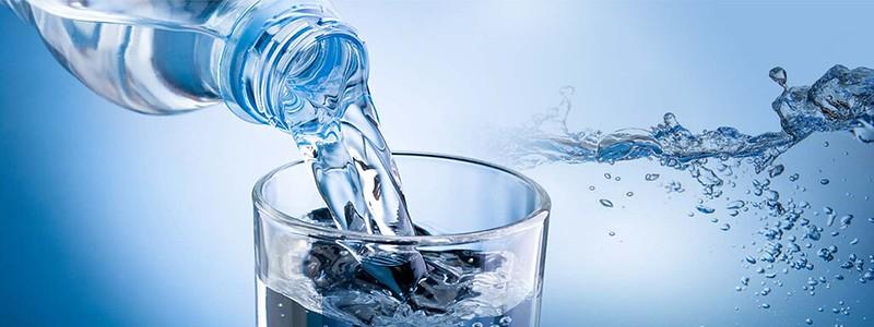 nước có phải hóa chất không