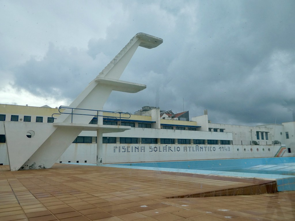 Espinho's art-deco swimming pool
