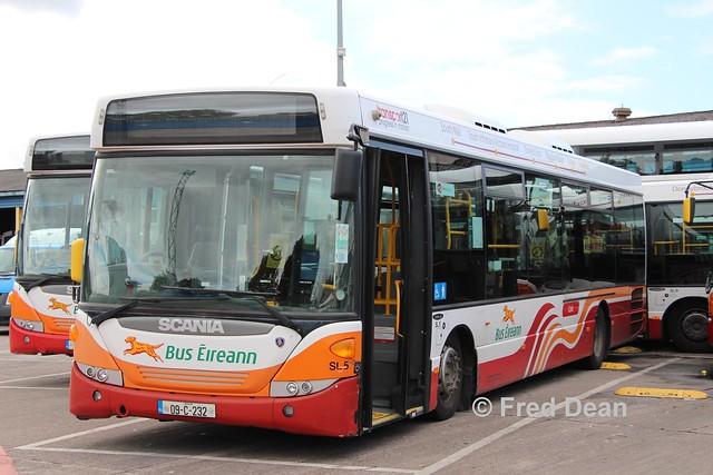Bus Eireann SL5 (09C232).