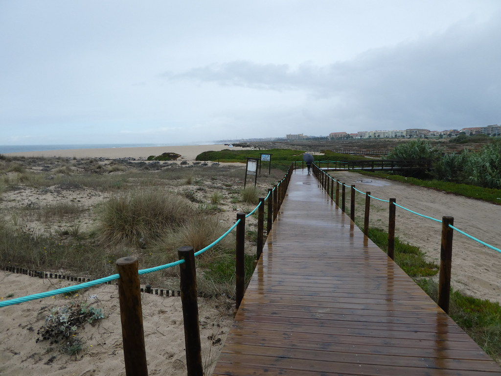 The Espinho boardwalk trail