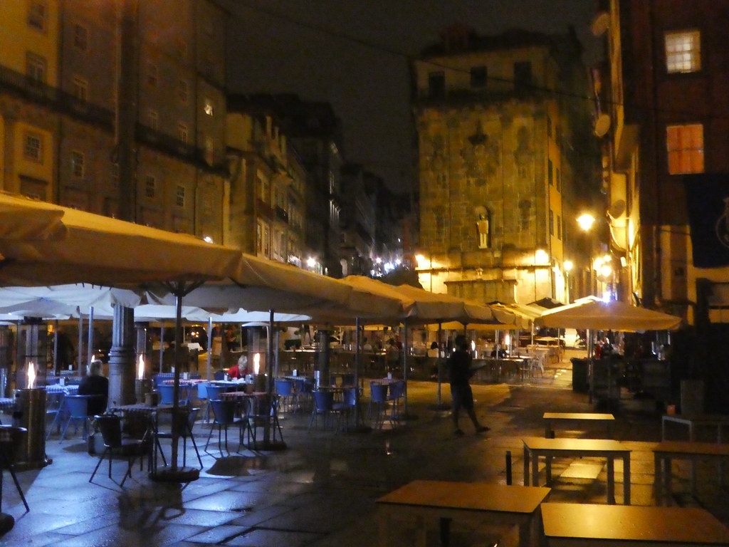 Cafes and bars along Porto's waterfront