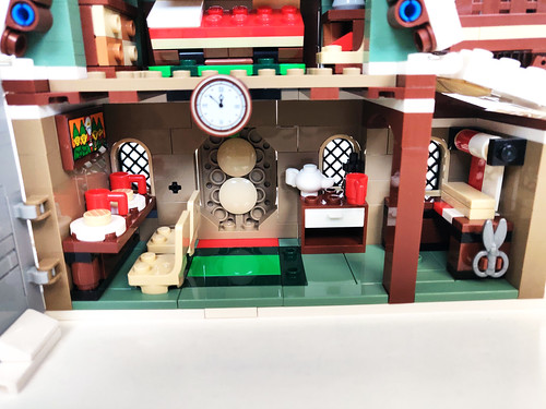LEGO Winter Village Elf Club House (10275)
