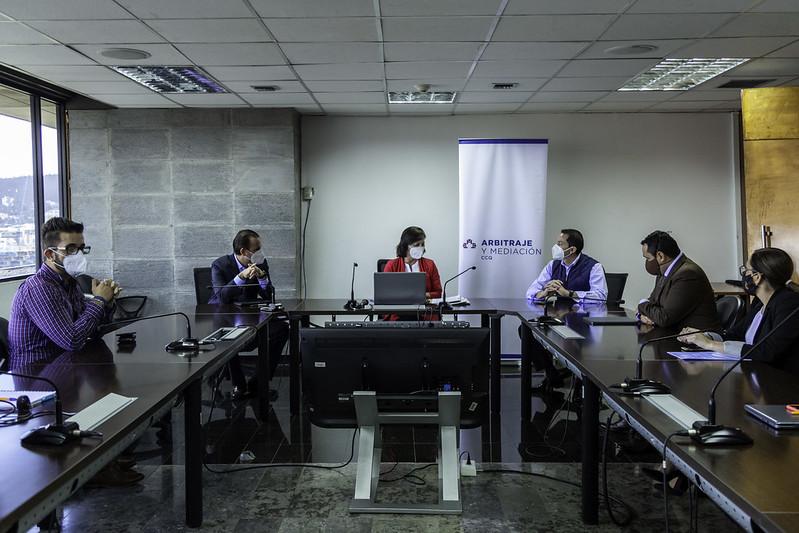 Firma de convenio de cooperación interinstitucional entre MINEDUC Y CCQ