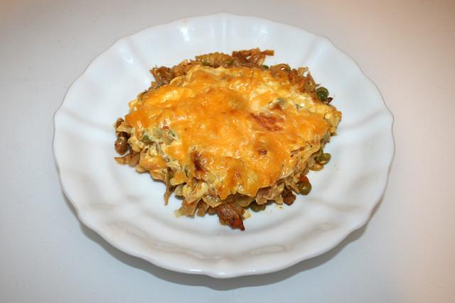 Gyros cabbage casserole with sauce hollandaise - Leftovers I / Gyros-Weißkohl-Auflauf mit Sauce Hollandaise - Resteverbrauch I