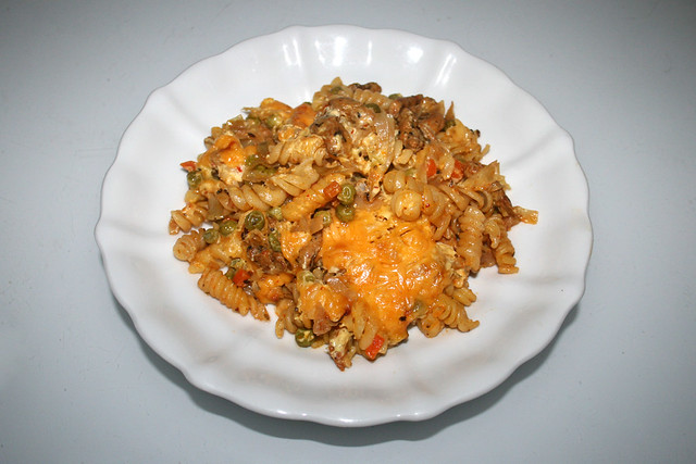 Gyros cabbage casserole with sauce hollandaise - Leftovers III / Gyros-Weißkohl-Auflauf mit Sauce Hollandaise - Resteverbrauch III