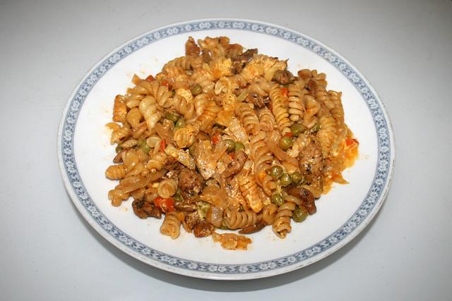 Gyros cabbage casserole with sauce hollandaise - Leftovers IV / Gyros-Weißkohl-Auflauf mit Sauce Hollandaise - Resteverbrauch IV